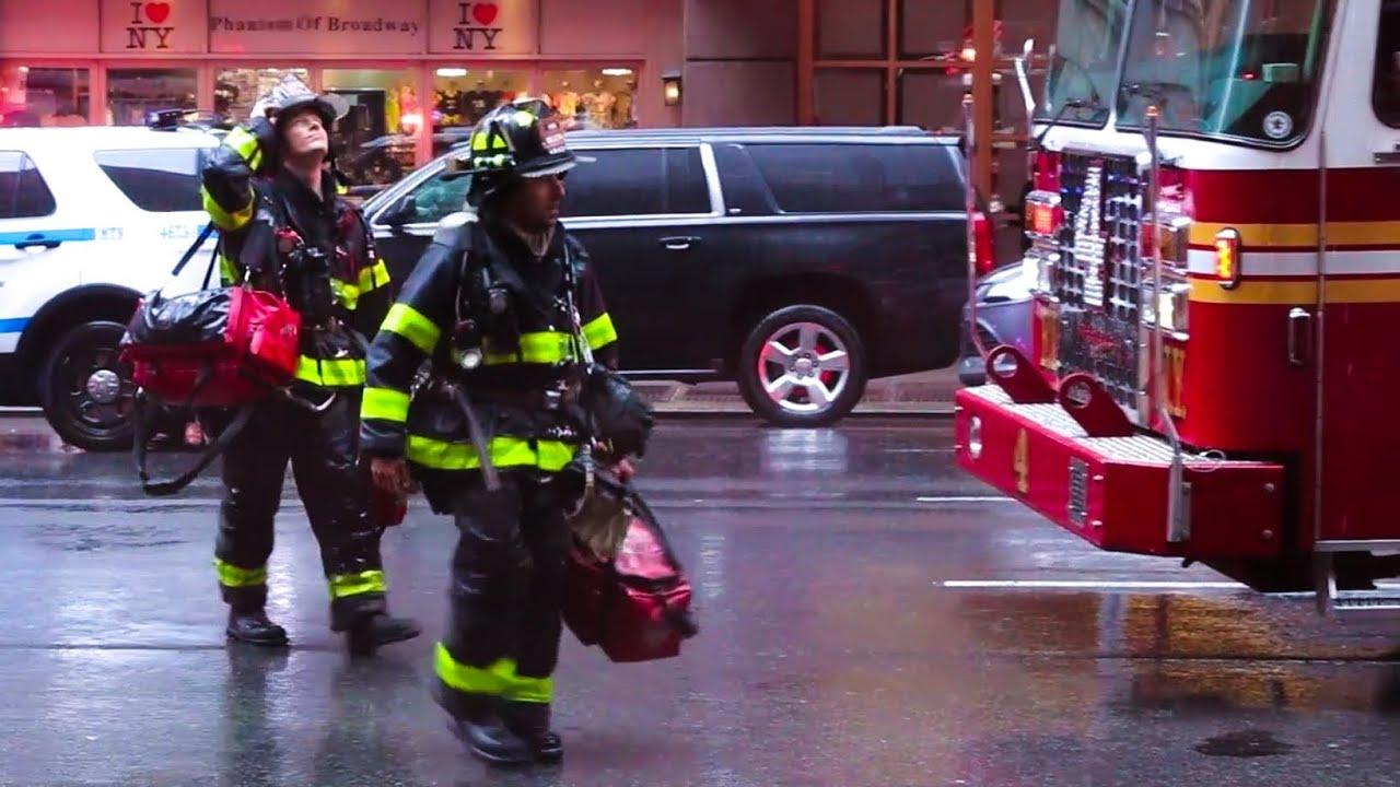 **Major NYC Helicopter Crash** [ Manhattan 3rd Alarm 10-60 Box 856 ] 787  7th Ave @ 51 Street