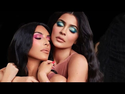 Kylie Jenner | Khloe and Kourtney Reacting to The New Kylie x KKW Fragrance