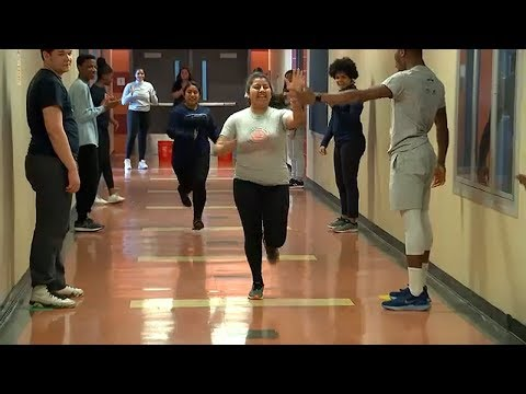 Manhattan teacher inspires youth ahead of United Airlines NYC Half Marathon