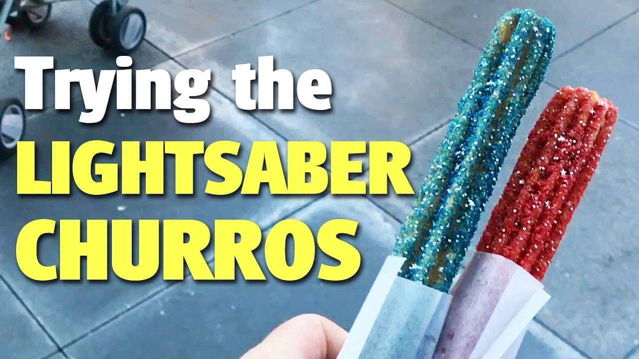 trying-the-lightsaber-churros-disneyland-park