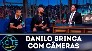 Danilo Gentili brinca com câmeras | The noite (14/11/18)
