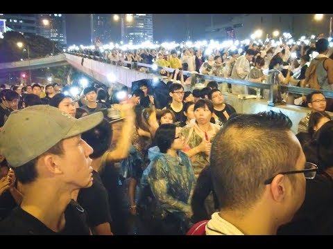 BRITISH Reporter Spreading FAKE NEWS Confronted By HONG KONGERS