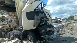 Best truck crashes, truck accident compilation 2014 Part 14