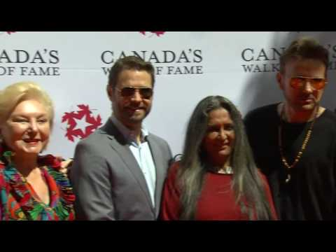 Video: 6 more stars unveiled on Canada's Walk of Fame