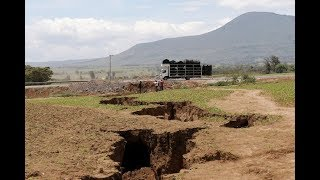 Video Scientists Now Have Evidence Africa Is Physically Splitting Into Two Continents download MP3, 3GP, MP4, WEBM, AVI, FLV Oktober 2018