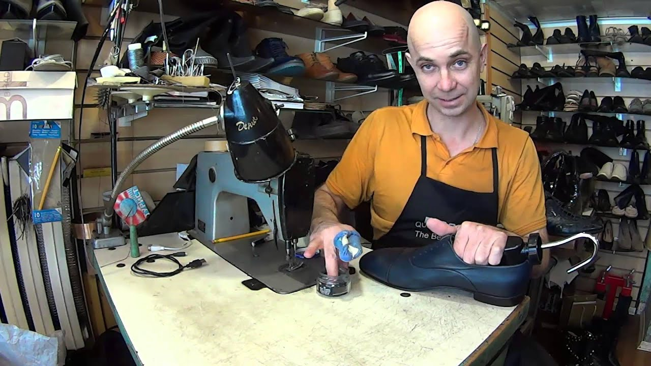 Обувь el tempo изготавливалась на фабриках испании, португалии. С 2001 года дизайнерское бюро el tempo размещает свое производство на российских фабриках, из комплектующих и сырья поставляемого из европы и южной америки. Все производство и контролируется на фабриках испанскими.