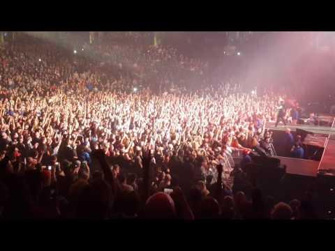 Shinedown - Enemies (w/ speech) (Live @ Bon Secours Wellness Arena) 12/6/2016