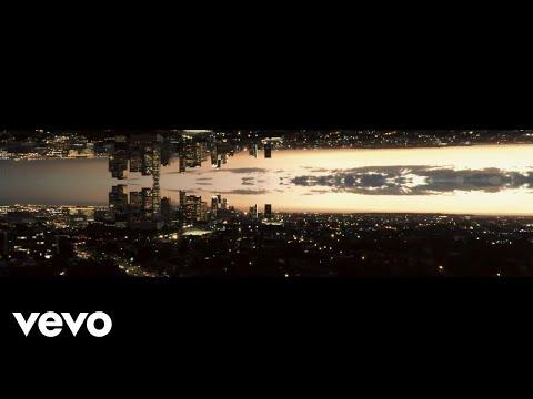 Timothy Bloom - Mistletoe Hanging ft. V. Bozeman