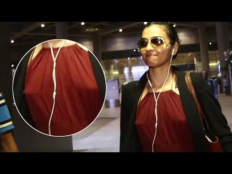 Radhika Apte Caught BRALESS at Mumbai...