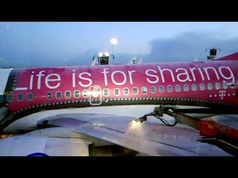 De Icing Transavia T Mobile 737 At Schiphol P11 Youtube