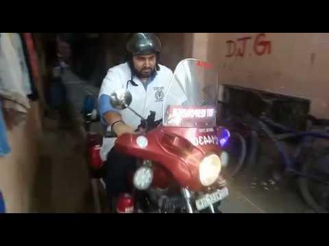 MissionDelhi Bikes Narrow Streets