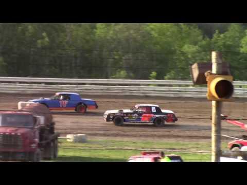 Hummingbird Speedway (6-17-17): Sunny 106.5 FM Pure Stock Heat Race #2