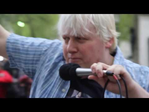 "No10Vigil ""BoJo Funk"" - Boris Johnson sings about Brexit & General Election 2017"