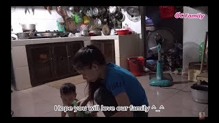 Beautiful Mom Cooking In The Kitchen With Her Cute Baby   ỐC Family