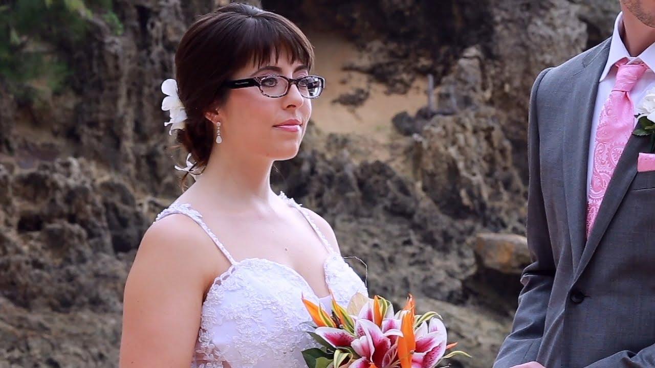 Raelle & Max Cool Beach wedding