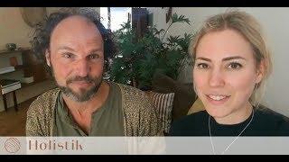 Holistik TV: Karlijn ondergaat Maori Healing bij Volker Moritz