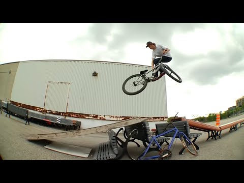 The Rise at the Ghetto Playground - Street MTB