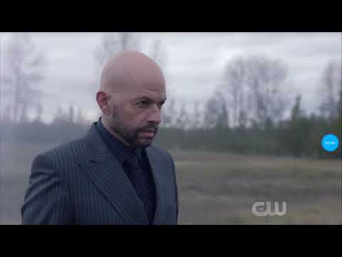 Supergirl 4x15- Lex Sees Supergirl For The First Time