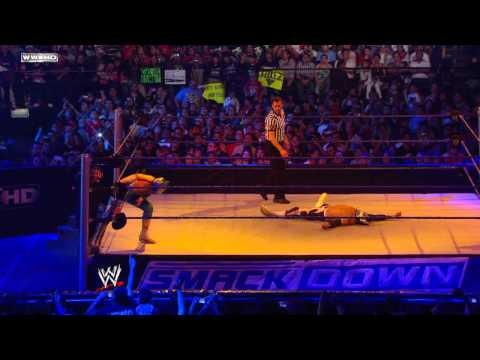 Friday Night SmackDown - Sin Cara(Azul)...