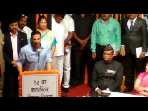 Akshay Kumar Saluting Indian Army on 18th Kargil Divas