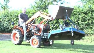 Kubota B7100 Tractor - Loader - Backhoe