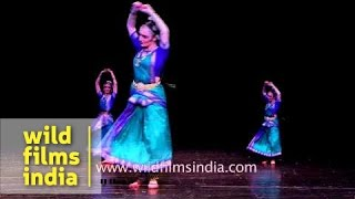 Russians perfectly dance Bharatanatyam - Indian Classical dance