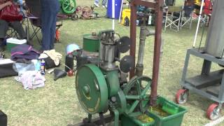 PINE RIVERS VINTAGE MACHINERY SHOW 2014