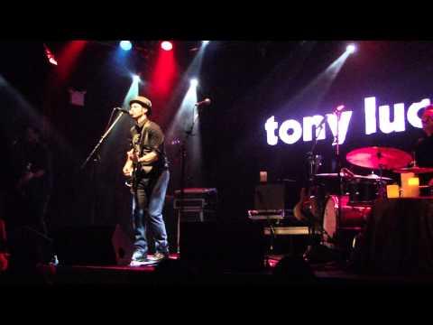 Tony Lucca - Devil Town (Daniel Johnston Cover)