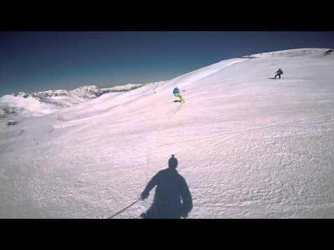 Snowboard high-speed carving at Les2Alpes on Burton Custom