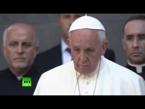 Папа Римский возложил цветы в Ереване к мемориалу памяти жертв геноцида армян