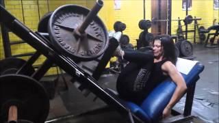 Biceps femorales en maquina de prensa 45º Por: Henry Saldaña