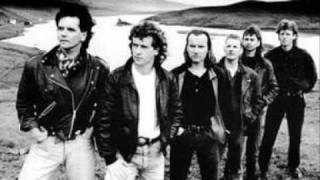 Watch Runrig Empty Glens video