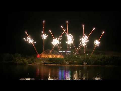 Grand Haven Coast Guard 2017  Fireworks Extravaganza (HD)