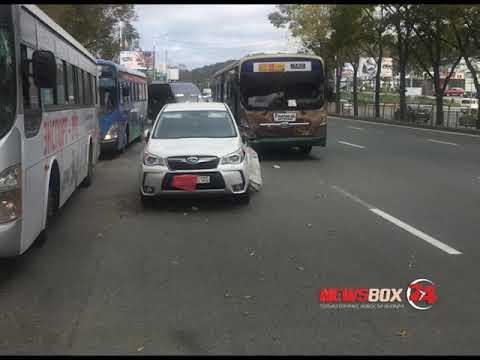 Во Владивостоке в серьезной аварии с участием кроссовера и пассажирского автобуса пострадал пешеход