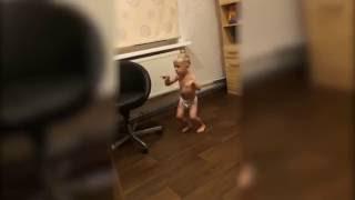 Малыш танцует под БАСТА/Моя игра