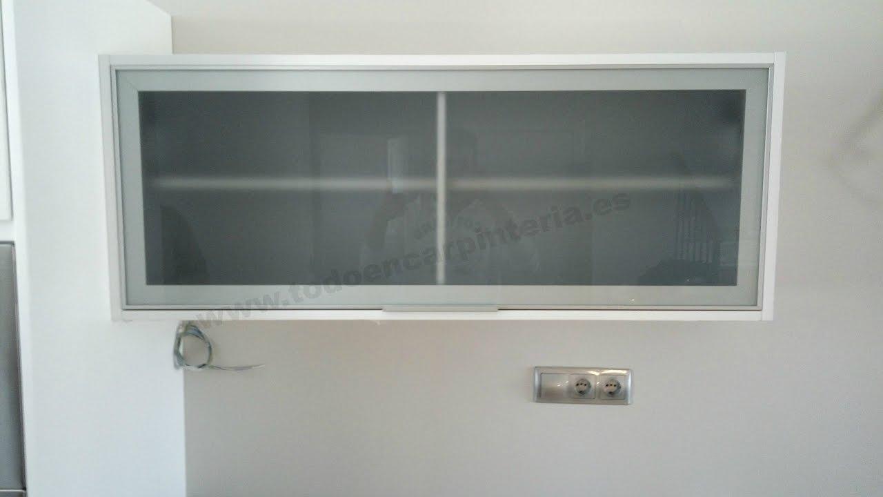 Hacer una puerta vitrina para armarios de cocina. - YouTube