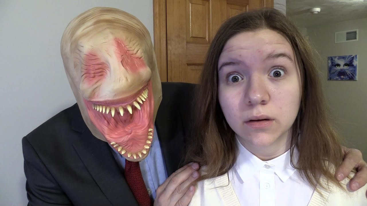 BEWARE THE SMILING MAN. (SCARY)