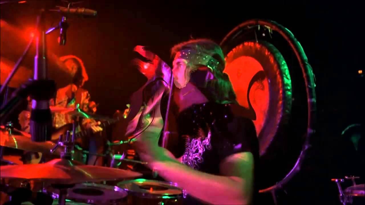 Led zeppelin whole lotta love medley madison square garden ny 07 29 1973 part 13 youtube for Led zeppelin madison square garden