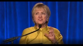 HILLARY CLINTON RESURFACES TO SLANDER DONALD TRUMP IMMEDIATELY GETS SHUT DOWN!