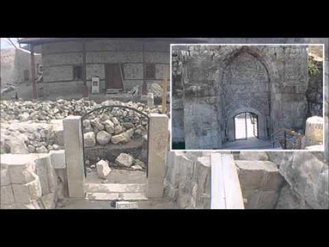 Gate of historic mosque causes restoration scandal in Antalya