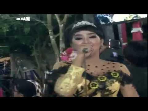 PIKIR KERI - Eva Antariksa Areva Music Horee Live Sengon 2017