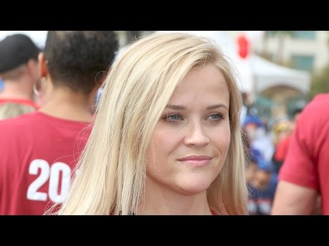 Reese Witherspoon Sets Example For Her Kids as a Successful Woman  | Splash News TV