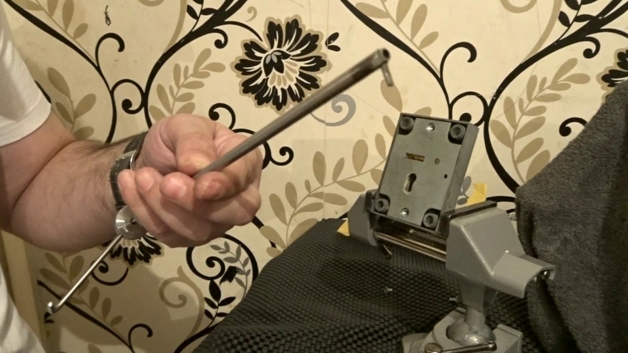 GUN-CABINET-SAFE-LOCK-PICKED.-THANKS-ANDY-MAC. - YouTube