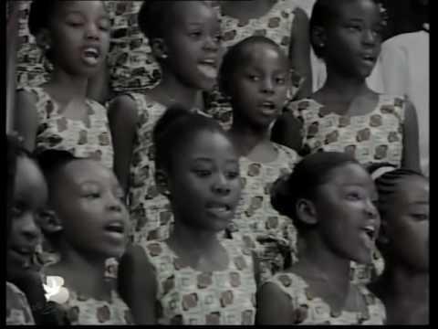 LES ENFANTS DE  LA BORNE Chantent