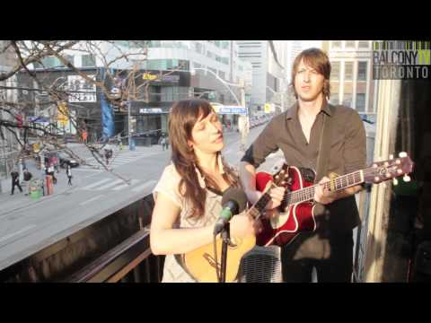 CARACOL - ALL THE GIRLS (BalconyTV)
