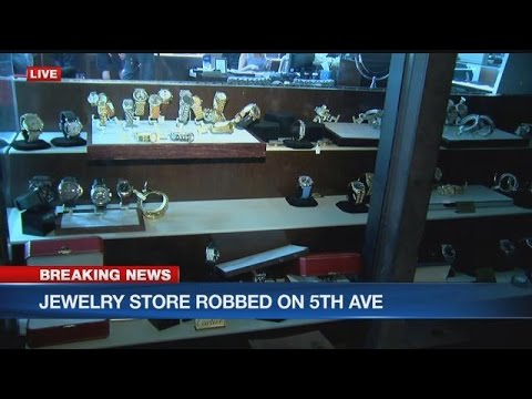BREAKING AT 6: Downtown Naples jewelry store robbed
