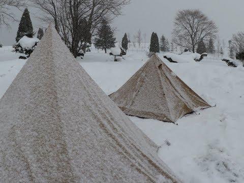 女雪中ソロキャンプPart1 雪中ビールを飲んで焚火の準備