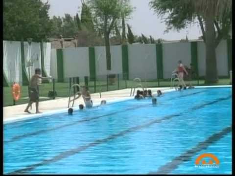 La temporada de ba o en la piscina municipal se iniciar for Piscina municipal el vendrell