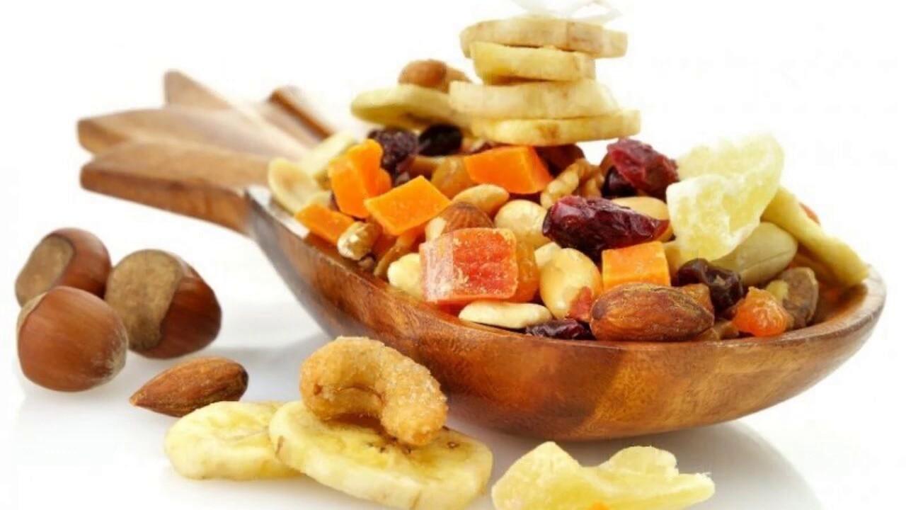 Нужно ли мыть орехи и сухофрукты перед употреблением?