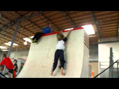 Gabe Parkour Practice - Conquers Wall!